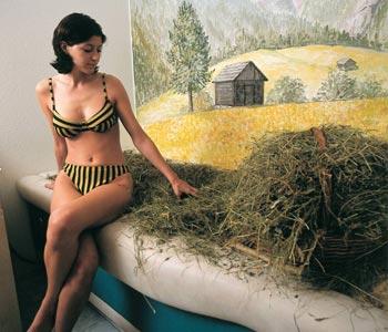 Südtiroler Badl-Kultur im Bad Schüsslerhof - Heubad mit besten Gräsern und Kräutern von den eigenen Hochalmen